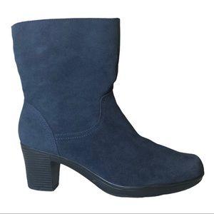Clarks Bendables Blue Suede Boots Size 9.5W